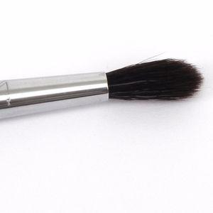 SIGMA BEAUTY E33 Diffused Crease Shadow Brush